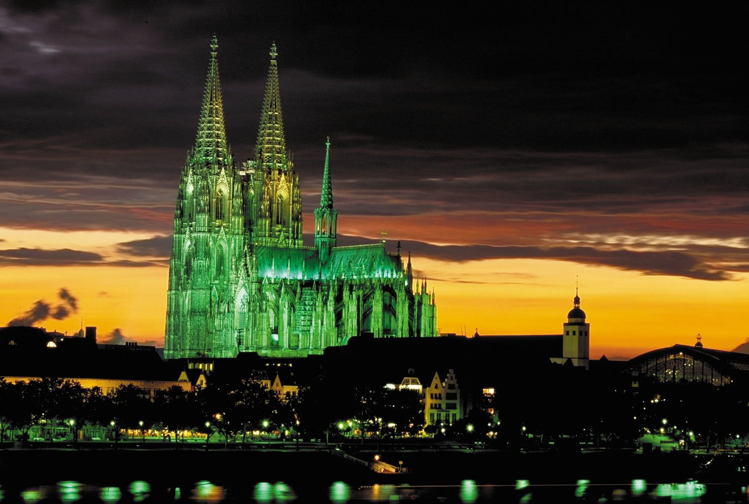 world_-tallest-church_cologne_cathedral_germany_photo