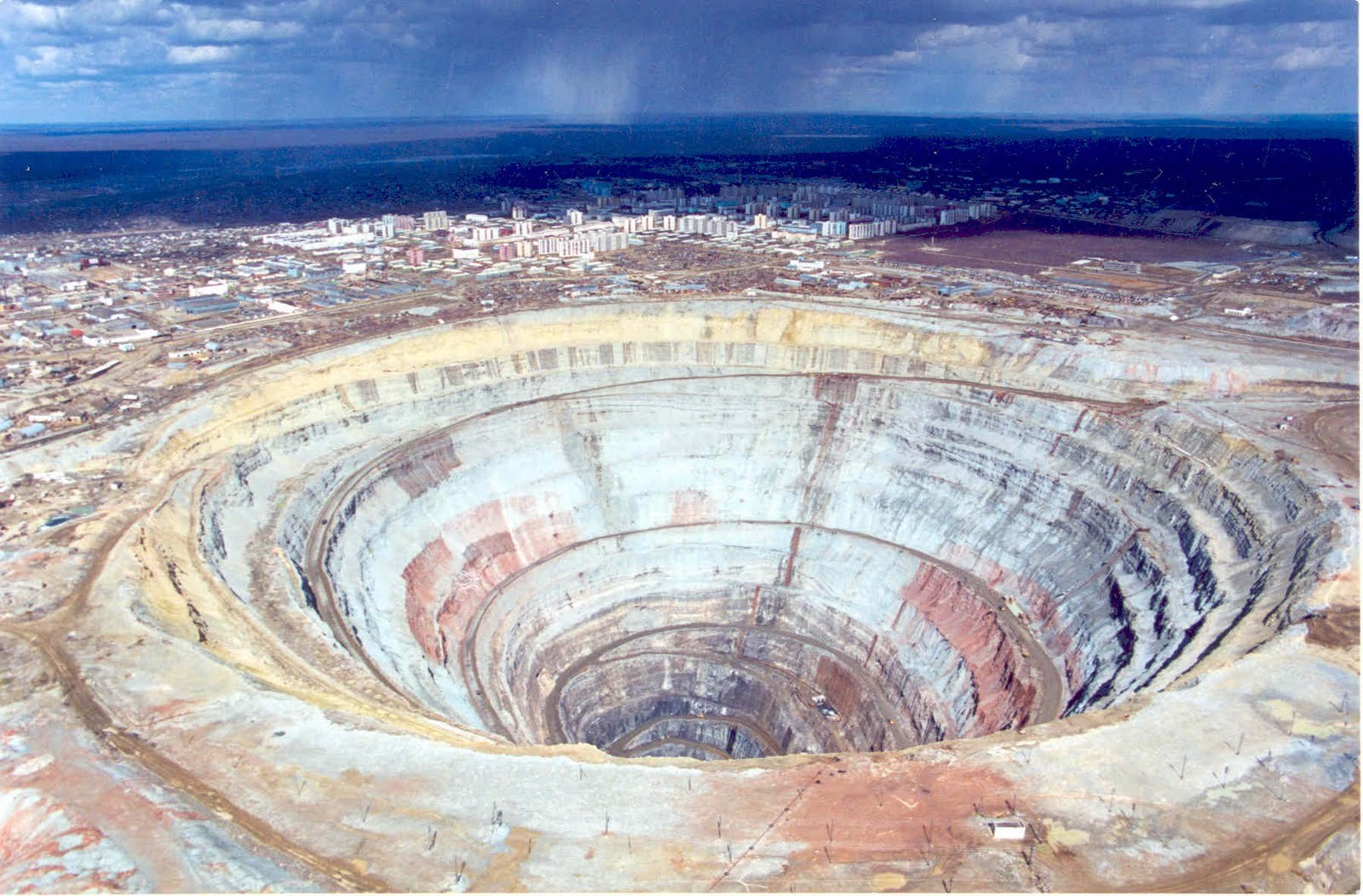Mirny_diamond _Mine_of_Siberia