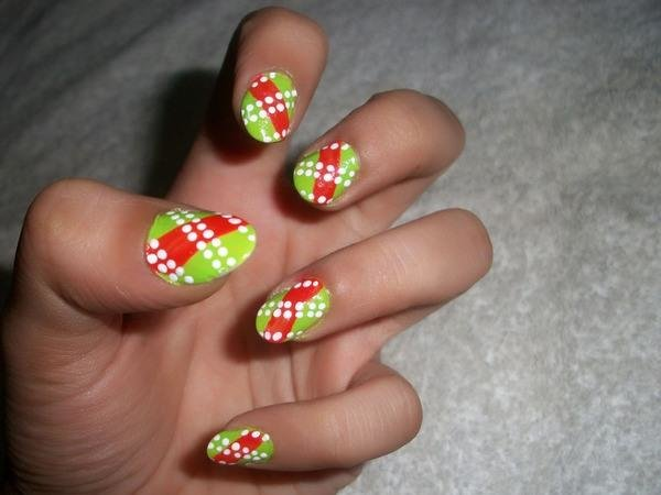 white dotted red green background49 50 creative nail designs