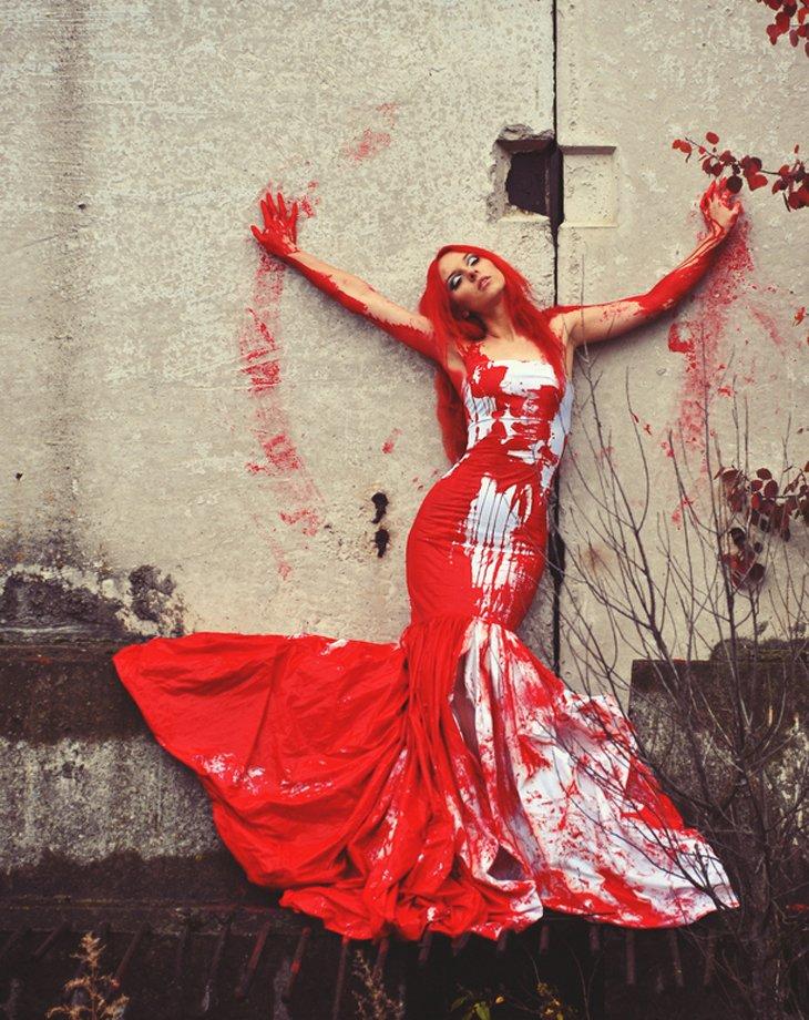 К чему снится одежда в крови