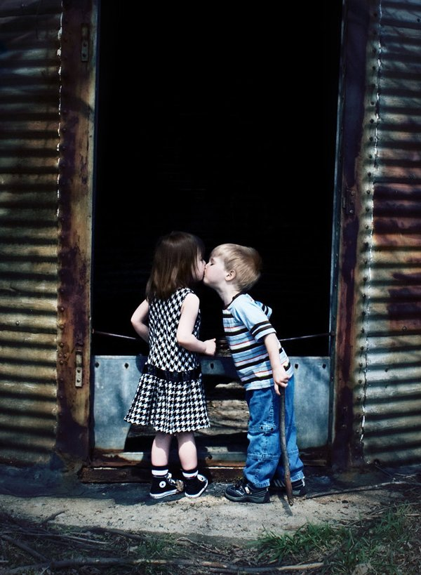 Childrens Kiss (9)