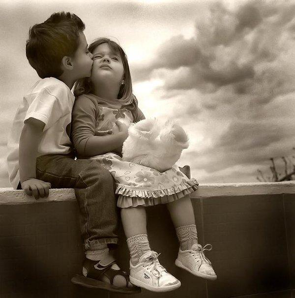 Childrens Kiss (7)