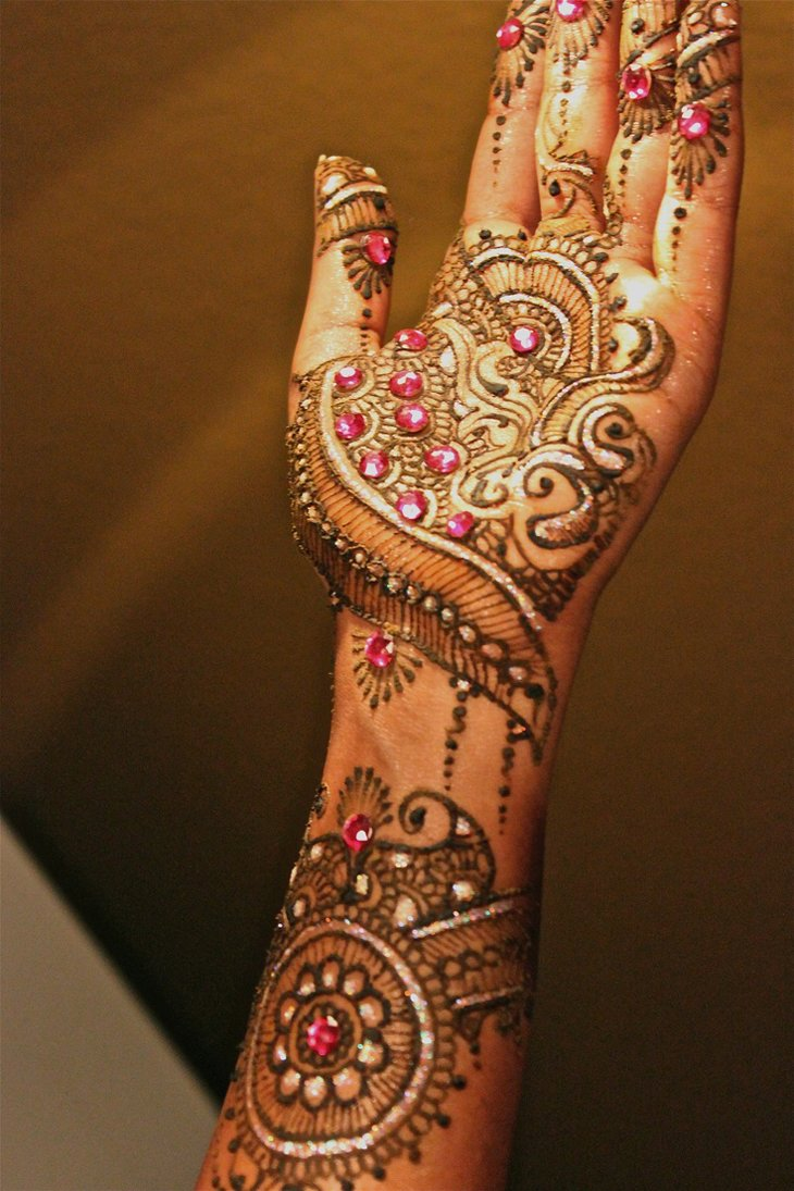 Beautiful Mehndi Designs (57)