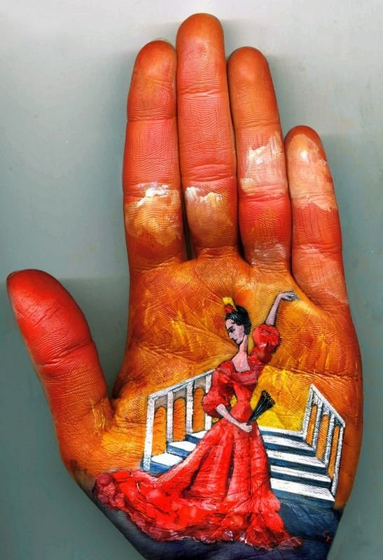Beautiful Hand paintings by Svetlana Kolosova (1)