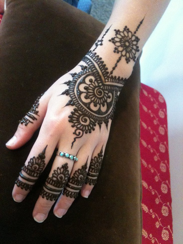 Beautiful Mehndi Designs (8)