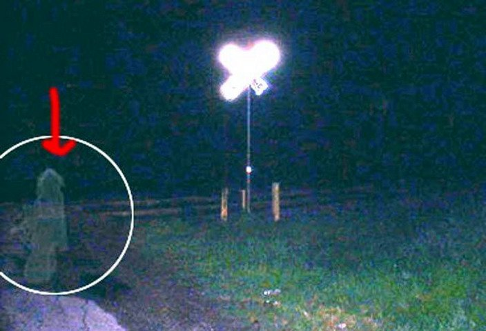 00011 TOP 25 MOST FAMOUS PHOTOS OF GHOSTS