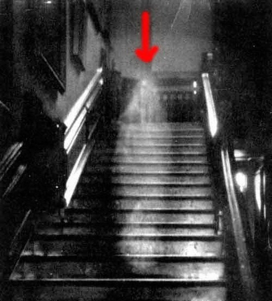00021 TOP 25 MOST FAMOUS PHOTOS OF GHOSTS