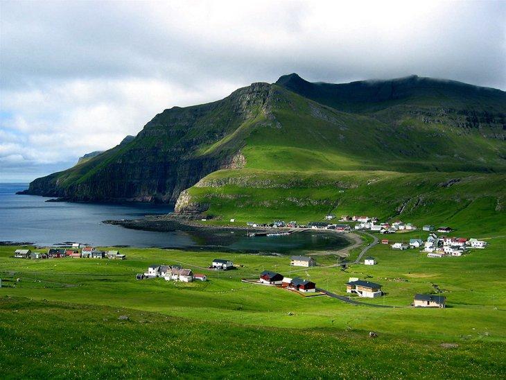 Fámjin village