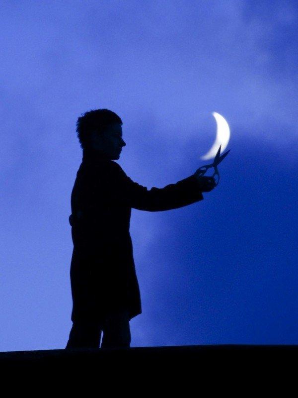 Creative Moon Photography By LaurentLaveder (10)
