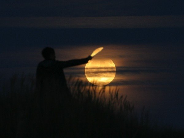 Creative Moon Photography By LaurentLaveder (4)
