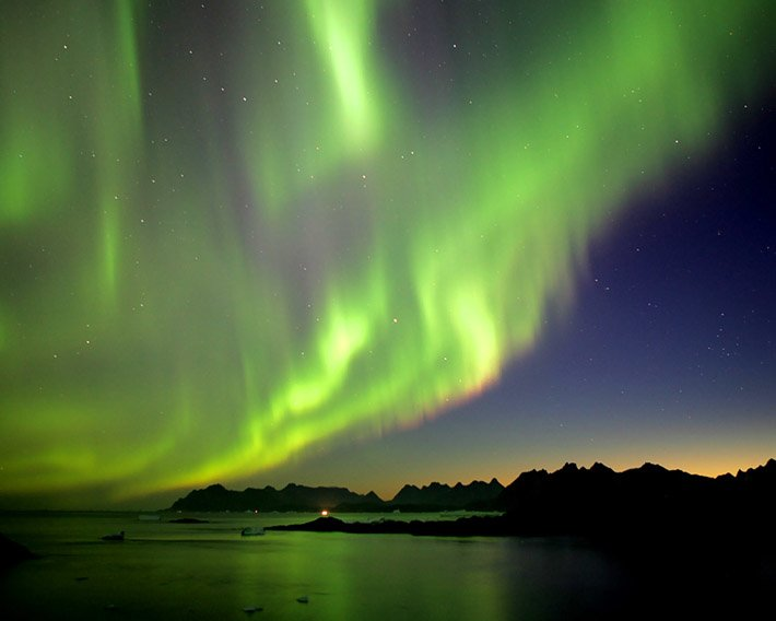 Auroras – Light of the night  (17)