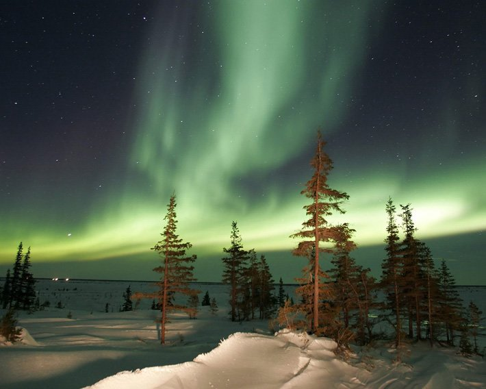 Auroras – Light of the night  (4)