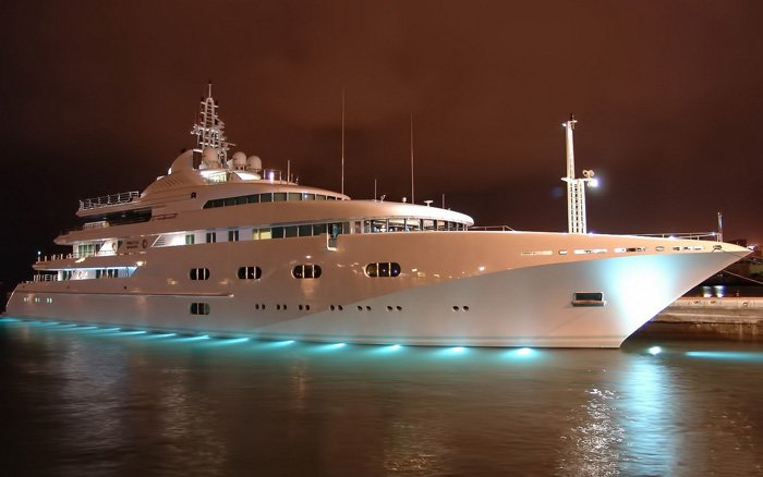 Luxury-Yacht-Wallpaper-1920x1200