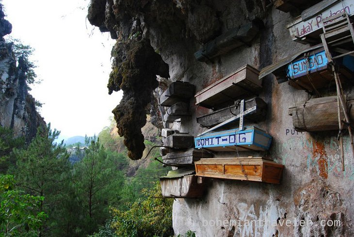 Mysterious hanging coffins of Sagada (8)