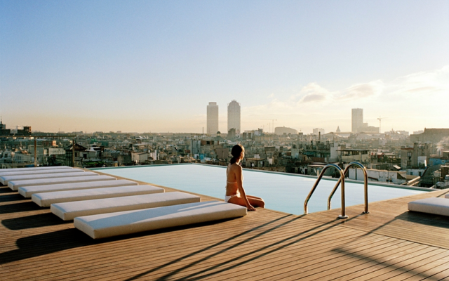 THE COOLEST ROOFTOPS IN THE WORLD (1)