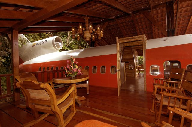 Boeing 727 Airplane Converted In Hotel - Costa Rica