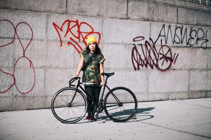 Portraits of Hip New Yorkers with Their Bikes  (15)