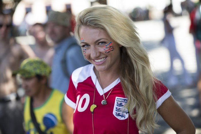 FIFA World Cup 2014: beauty-cheerleaders (14)