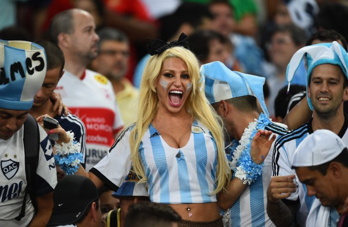FIFA World Cup 2014: beauty-cheerleaders (11)