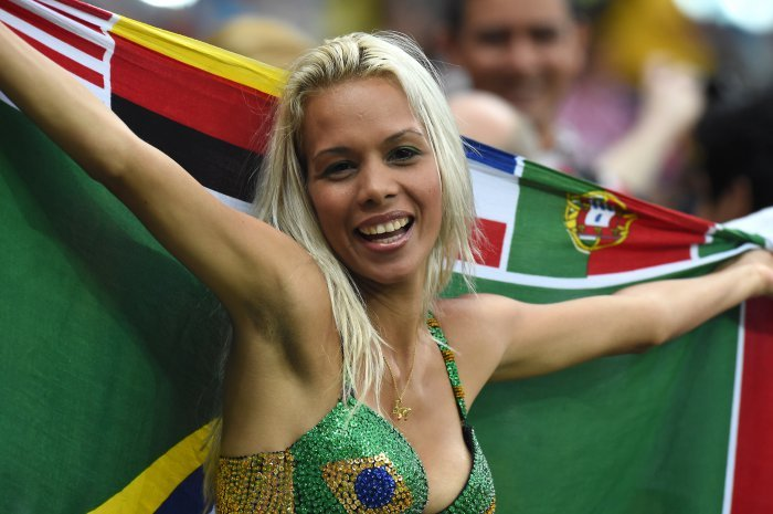 FIFA World Cup 2014: beauty-cheerleaders (3)
