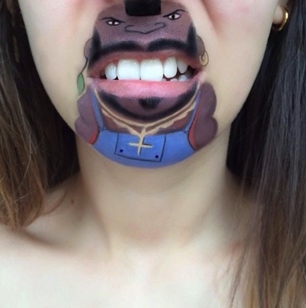 Funny makeup on her lips (9)