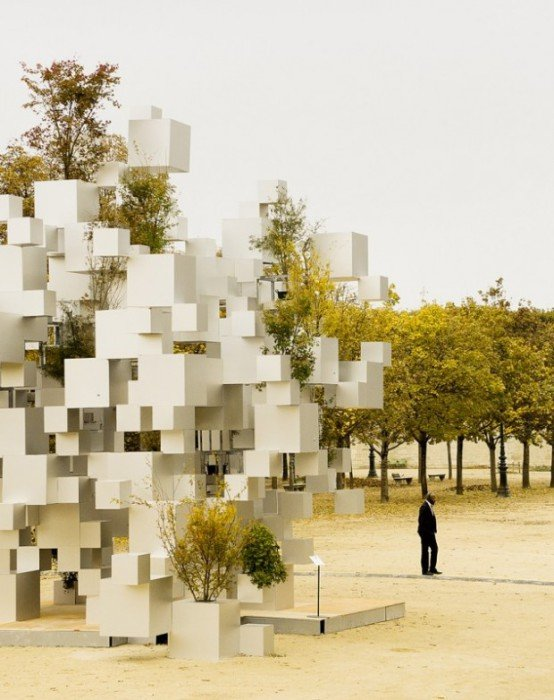 Pixel impressive sculpture in Paris (3)