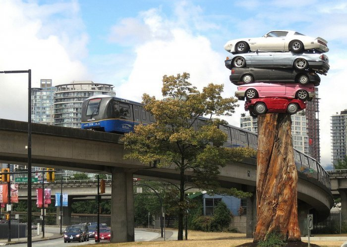 The Art of Stacking Cars (2)