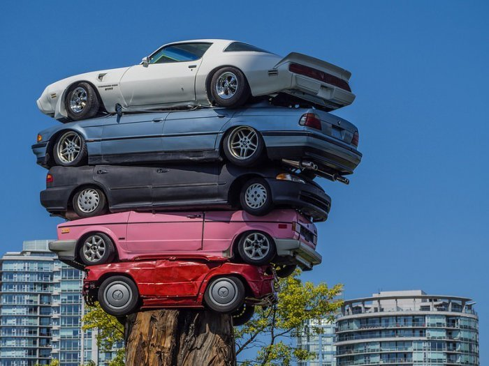 The Art of Stacking Cars (1)
