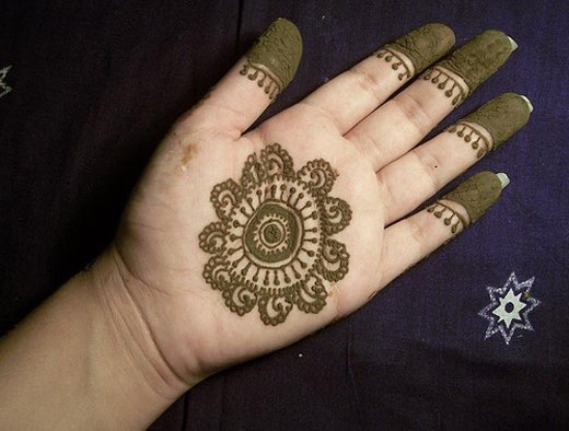 Asian Famous Mehndi Designs For Hand Finger (35)