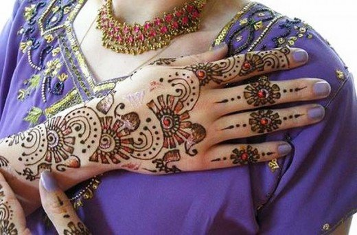Asian Famous Mehndi Designs For Hand Finger (31)