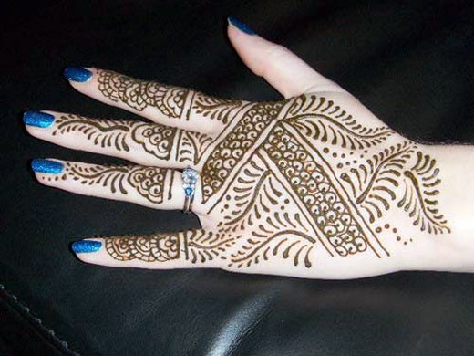 Asian Famous Mehndi Designs For Hand Finger (26)