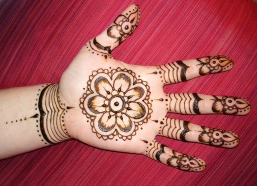 Asian Famous Mehndi Designs For Hand Finger (22)