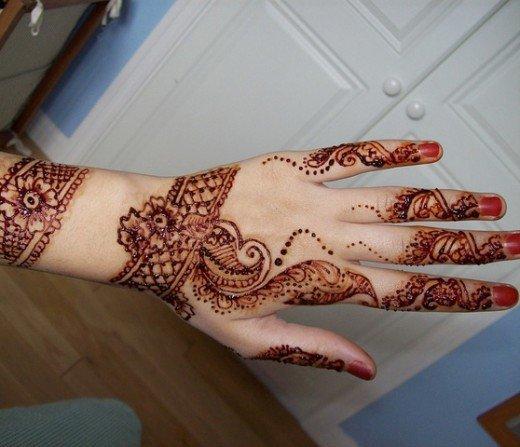 Asian Famous Mehndi Designs For Hand Finger (21)